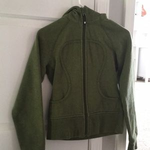 new lululemon zip up jacket size S woman